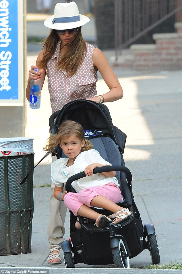 Toddler Baby Double Stroller Jessica Alba Nearly Loses Control Of A Stroller Containing