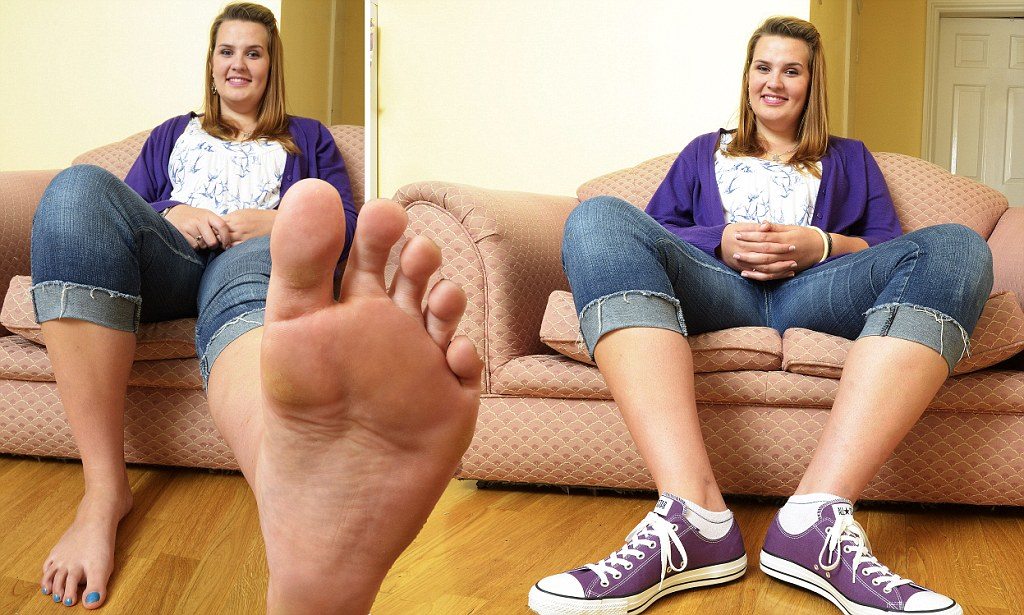 Meet 6ft 5in Teen Emma Cahill Whose Size 14 Feet Wouldn39t