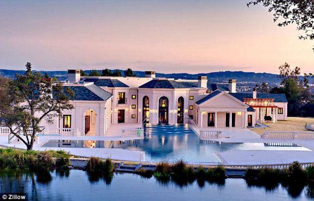 Paradise: The Bradbury Estate in Southern California