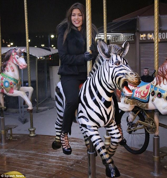 Black Plaid Wallpaper Kourtney Kardashian And Scott Disick Enjoy A Ride On A