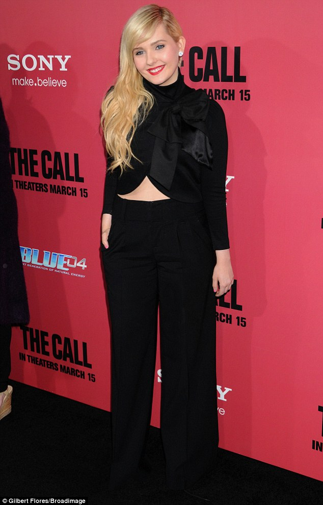 Abigail Breslin looks stylish in cropped black jacket Daily Mail