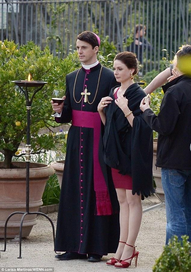 Cigarette Wallpaper Hd Sir Ridley Scott S New Tv Drama The Vatican Starts Filming