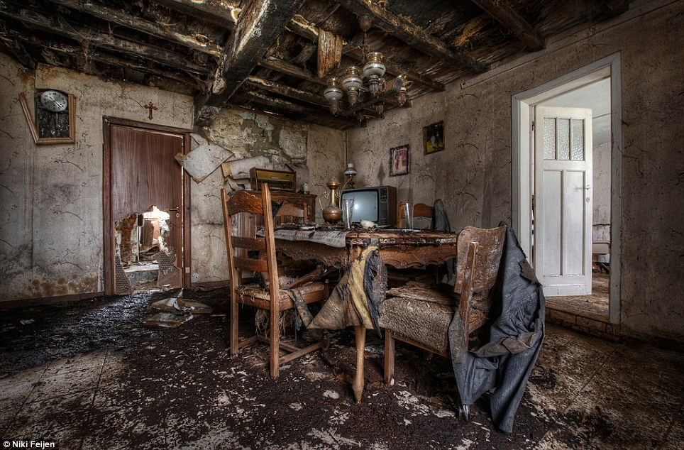 Photographer Niki Feijen39s Eerie Images Of The Abandoned
