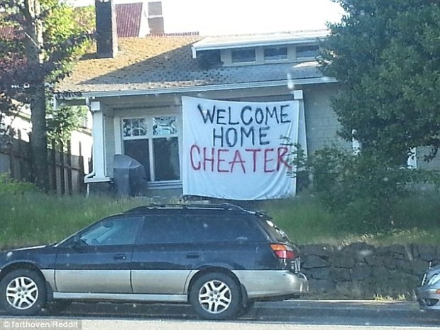 Welcome home: Or pehaps not? This photo was taken by a Reddit user in Washington State