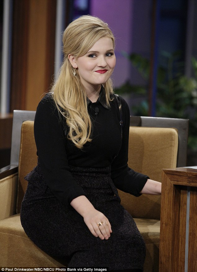 Abigail Breslin, 17, \u0027dating All Time Low frontman Jack Barakat, 25
