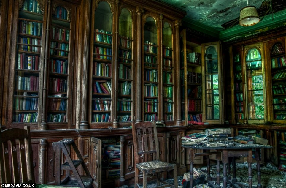 Paradise Lost Haunting Images Of Historic Manor House