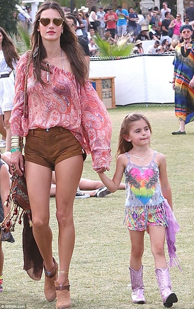 Daddys Girl Wallpaper Alessandra Ambrosio Takes Daughter Anja To Coachella