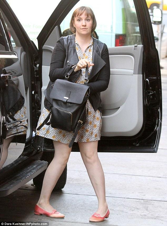 Skateboard Girl Wallpaper Taylor Swift Dons Knee High Socks Amid Girls Cameo Rumours