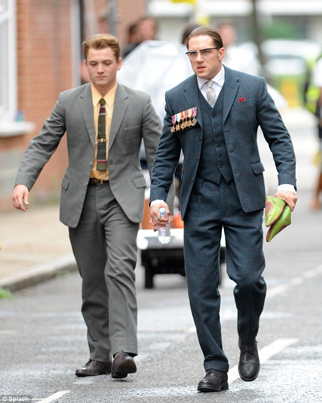 Roles Royal Car Wallpaper Tom Hardy Is Almost Unrecognisable In Legend Daily Mail