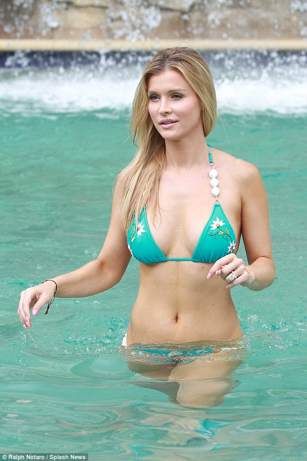 Black Floral Wallpaper Stunning Joanna Krupa Sizzles In Aqua Blue Bikini As She