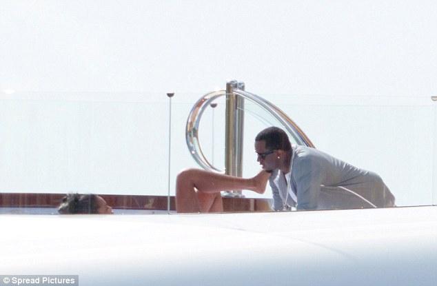P Diddy Parties With Bikini Clad Kim Porter On 72m Yacht