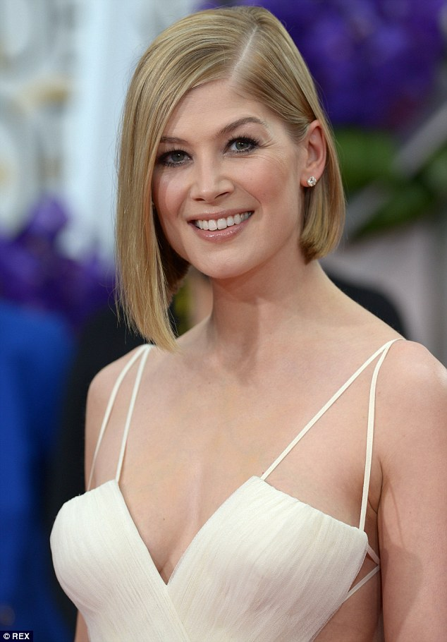 Cute Baby And Mother Wallpaper Rosamund Pike Felt The Urge For A Baby After Gone Girl