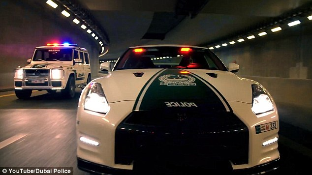 Dubai Police Car Wallpapers Dubai Introduces Stylish Sports Cars For New Patrol Fleet