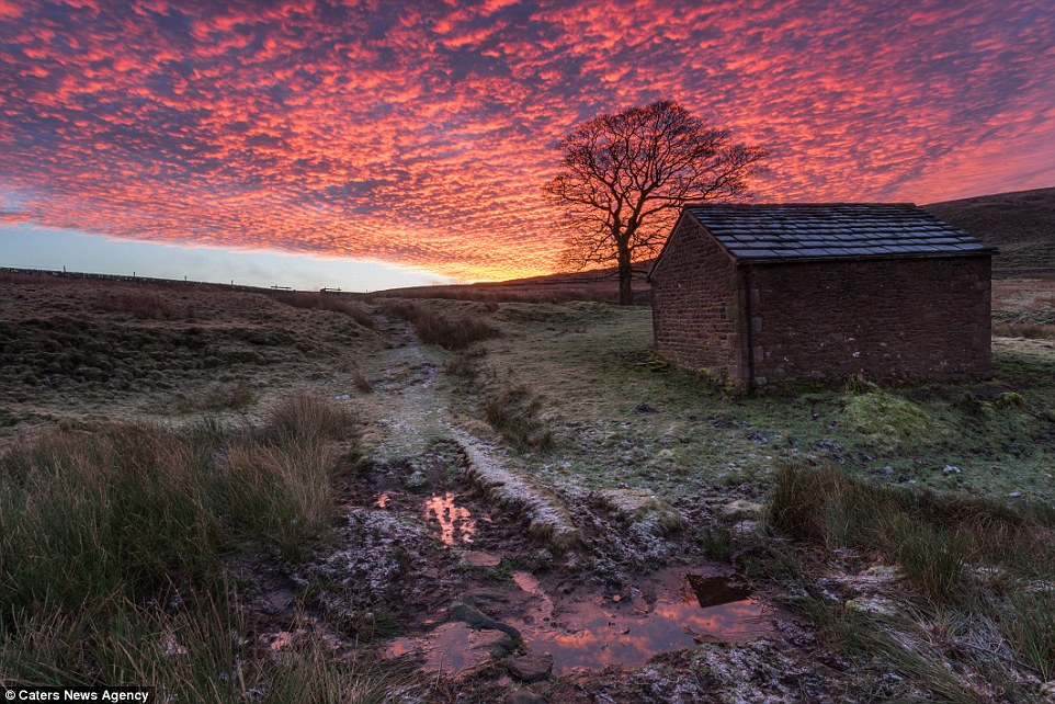 Travel Agency Wallpaper Hd Photographer James Grant Believes The Peak District Has