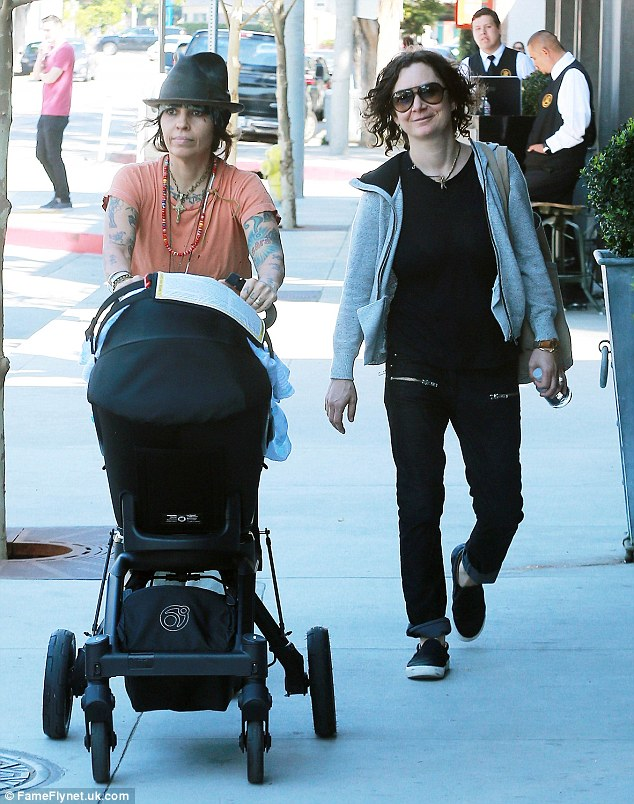Newborn Baby Stroller Uk Sara Gilbert And Linda Perry Take Son Rhodes Out For A