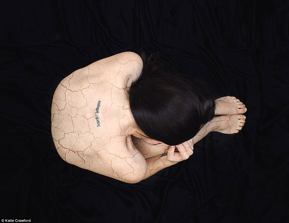 Photographer Katie Crawford Depicts Panic Attack Symptoms