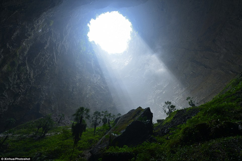 Hidden Paradise Found In 950ft Cave In Hubei In China