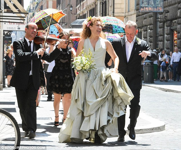 Doctor Who39s Alex Kingston Marries Jonathan Stamp In Rome