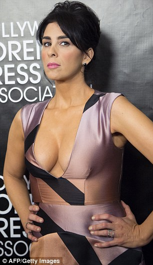 Black Floral Wallpaper Sarah Silverman Displays Extreme Cleavage In A Perilously