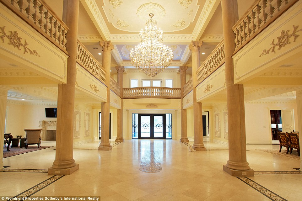 Versailles Style New Jersey Palace With 24 Rooms Hits The