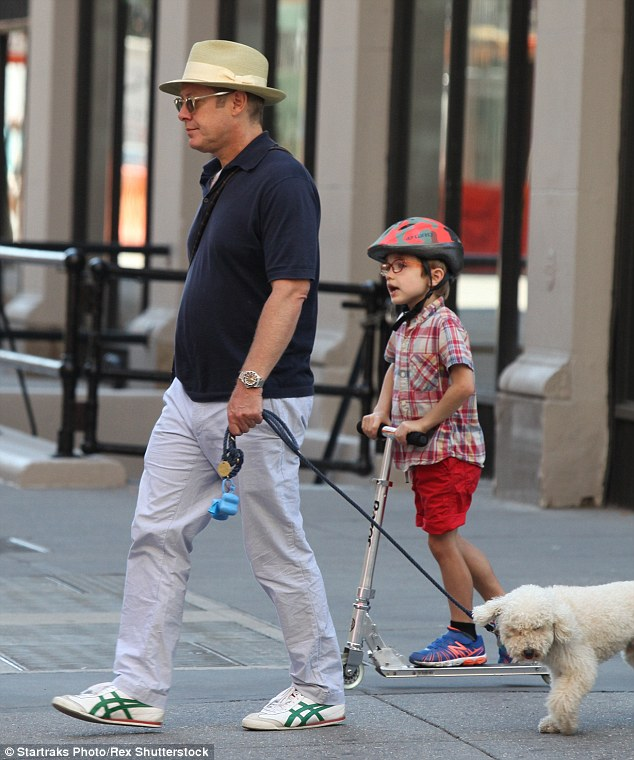 New Smoking Girl Wallpaper James Spader Heads Out In New York With Son Nathaneal And