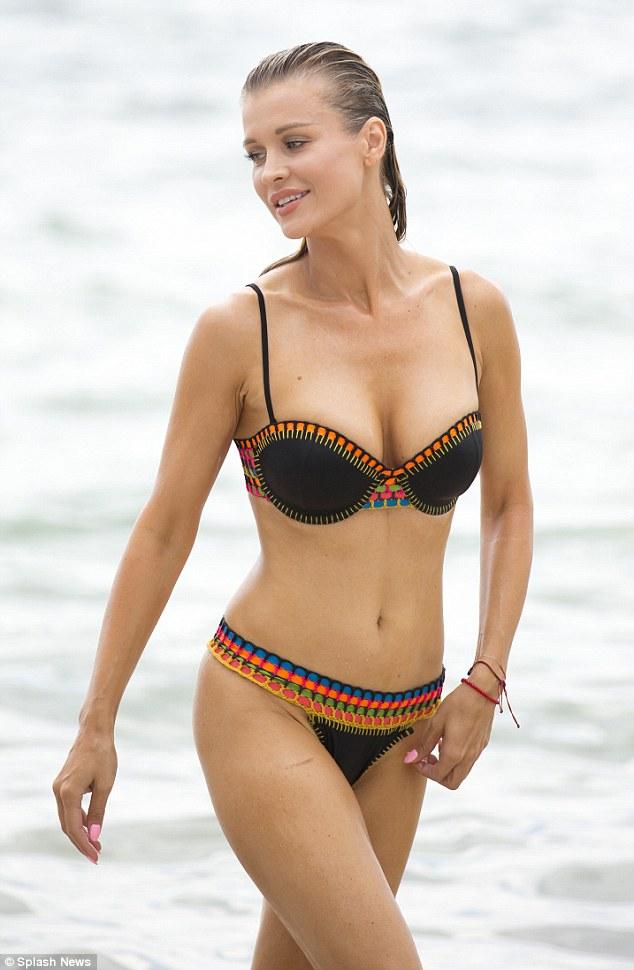 Cute Bunny Wallpaper Hd Joanna Krupa Puts Bikini Body On Display As She Takes A