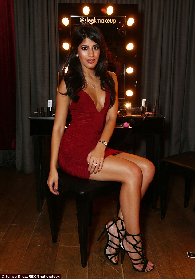 Teen Girls Legs And Feet Wallpapers Jasmin Walia Stuns In Oxblood Pencil Dress At Sleek Make