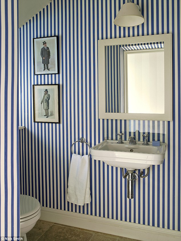 Victorian Wallpaper Black Wild Wallpapers Toilets That Look Like Thrones And Even
