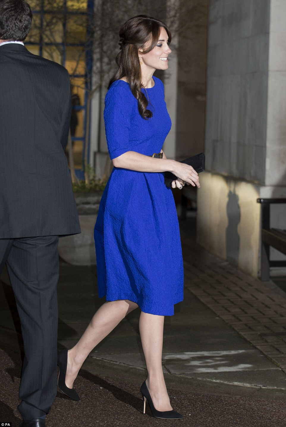 Saloni Paris Kate Middleton Wears Saloni Dress For Fostering Excellence Awards