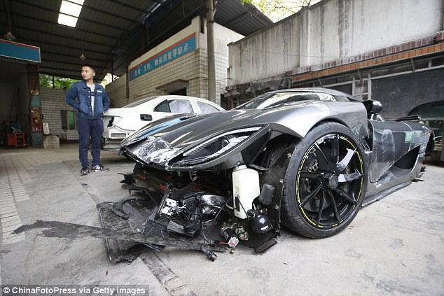 Dubai Police Car Wallpapers Drunk Driver Crashes 163 2 7m Koenigsegg Agera Into A