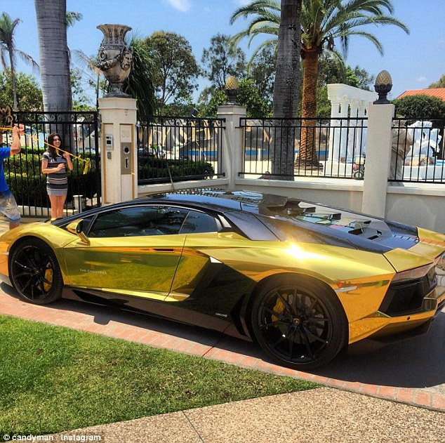 Super Cars 3d Wallpapers The Candyman Travers Beynon Adds A Gold Plated Lamborghini