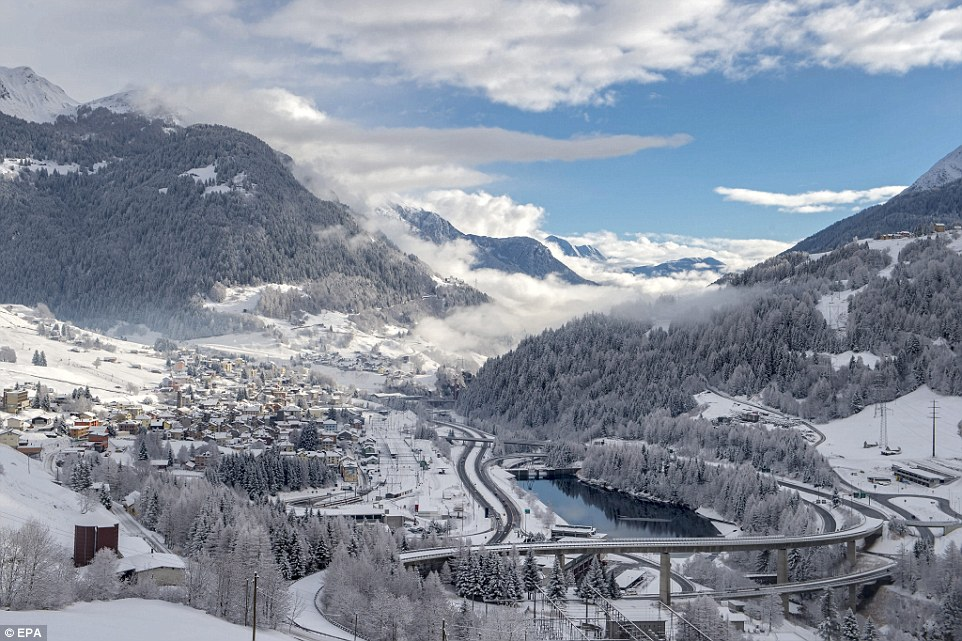 Free Snow Falling Wallpaper Photos Of The Swiss Alps Show Change To Ski Resorts Before