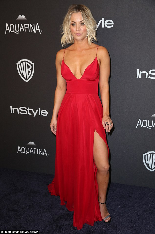 Cop Car Wallpaper Kaley Cuoco Sizzles In Slinky Red Dress At Golden Globe
