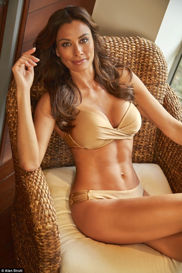 Motogp Wallpapers Full Hd Melanie Sykes Displays Her Sculpted Bikini Physique And