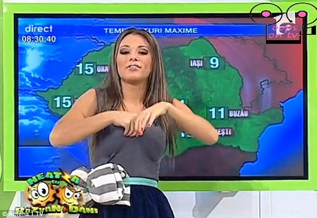 The Fall Of Troy Wallpaper Weather Presenter Roxana Vancea Accidentally Exposes Her