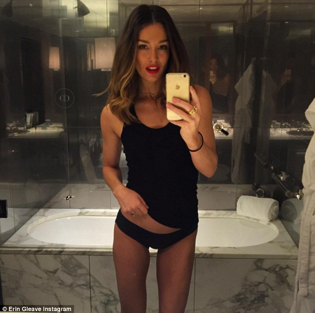 Beautiful Girl Wearing Hat Wallpaper Erin Mcnaught Snaps Instagram Picture To Show Toned Body