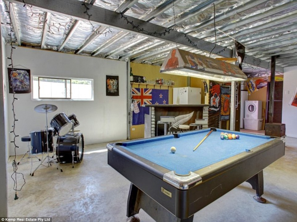 Australia39s Man Caves On The Market Daily Mail Online