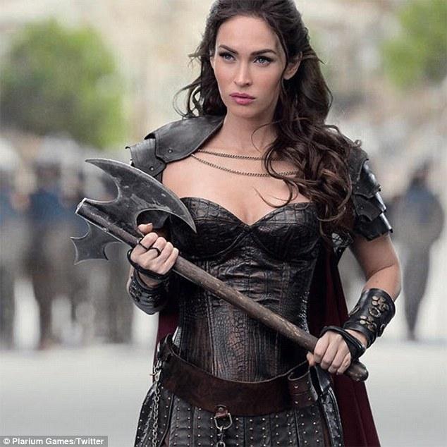 Fall Harry Potter Wallpaper Megan Fox Looks Fierce In A Warrior Costume For Mobile