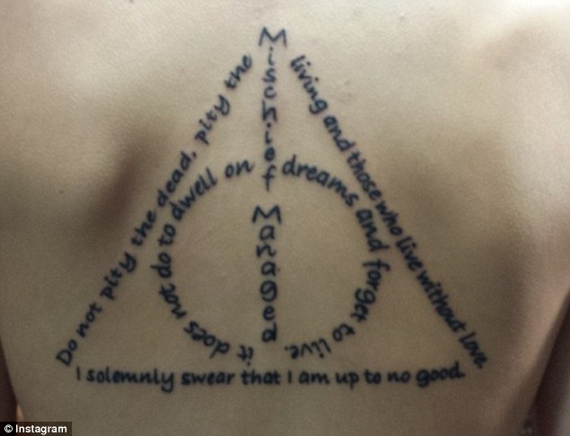 Dobby Quotes Wallpaper Harry Potter Fans Go Crazy Over Tattoo Which Reveals A
