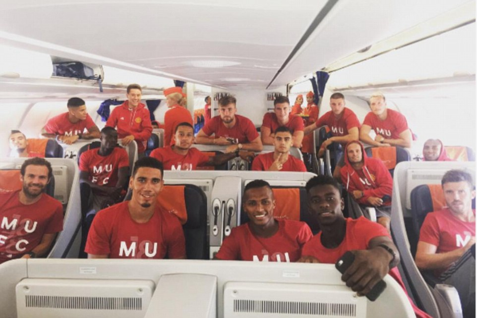Wallpaper Man Utd Hd Manchester United Stars Jet Off To China For First Pre