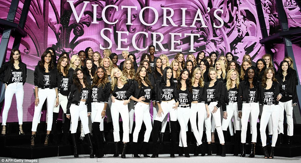 Victoria39s Secret Models Coordinate Ahead Of Paris Fashion
