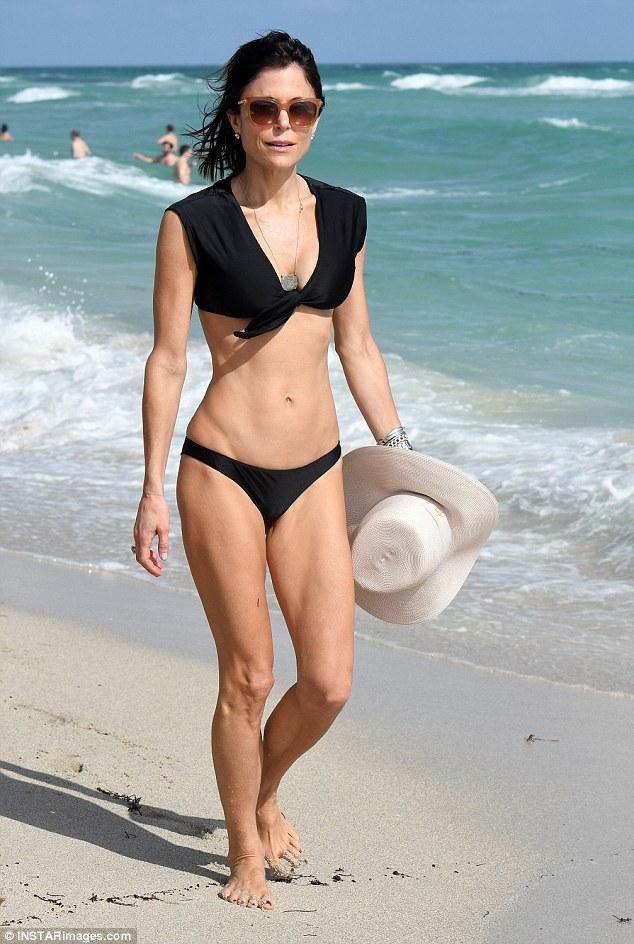 Bes Wallpaper For Girls Bethenny Frankel Flaunts Her Skinnygirl Figure In Barely