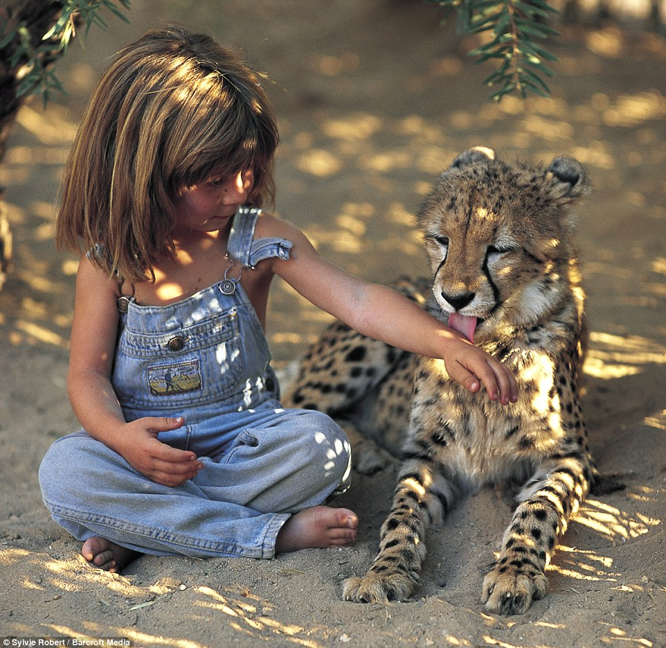 With a young cheetah in Namibia when she was six, Tippi had an extraordinary childhood which saw her travel extensively in Africa with her parents