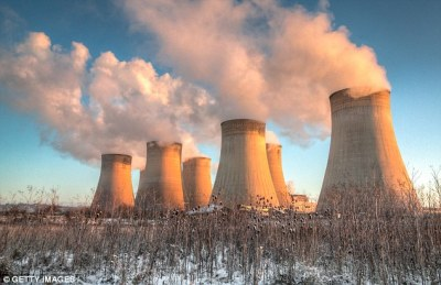 Air pollution raises the risk of dementia by 92% | Daily Mail Online