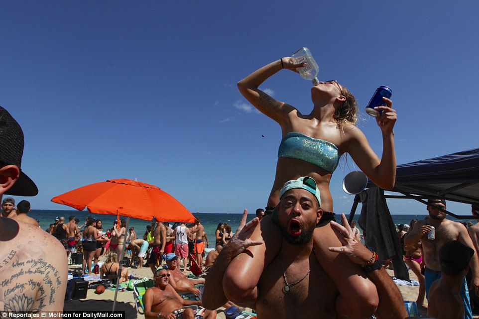 Fort Lauderdale hit with Spring Break college students Daily Mail