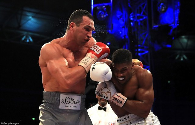 An hellacious uppercut in the opening stanza of the penultimate round toppled Klitschko only for the gritty Ukranian to beat the count. But following more punishment against the ropes the referee stepped in to wave the fight off