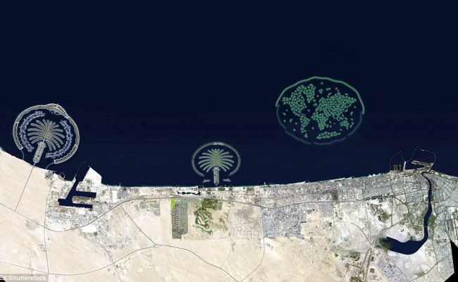 Dubai Plans A 1 3bn Project On New Artificial Islands Daily Mail Online