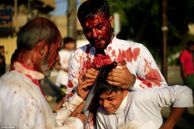 Shiite Muslim pilgrims shed blood to mark Ashura in Iraq | Daily Mail Online