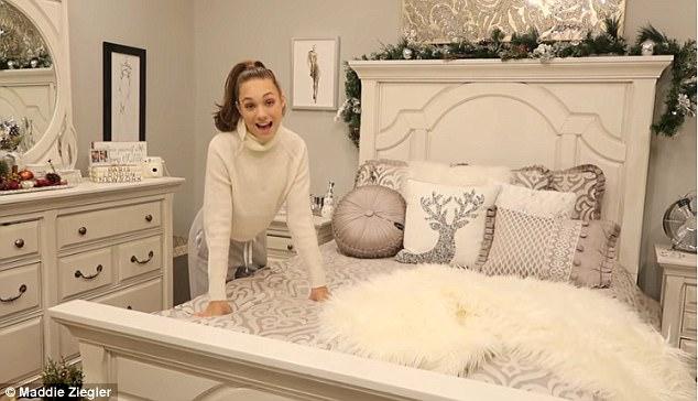 Wallpaper Teenage Girl Bedroom Maddie Ziegler Takes Fans Inside Her Lavish Bedroom