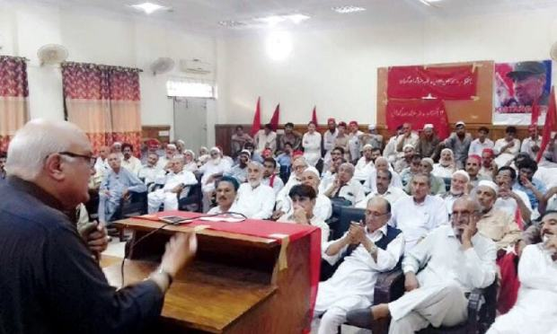 ANP general secretary Mian Iftikhar Hussain addresses a reference held in Peshawar on Monday on the death anniversary of former Afghan president Dr Najibullah. — Dawn